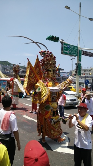 divinità taoista accompagnata da suona