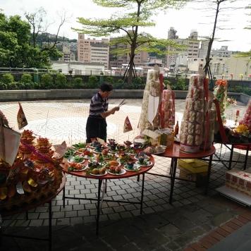 cibarie e midiao (sculture riso) per defunti e spiriti