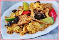 verdure, uova e funghi mu'er 木樨肉