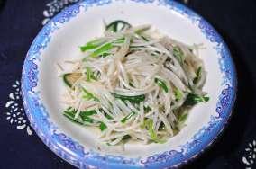 germogli di soia 油泼豆莛